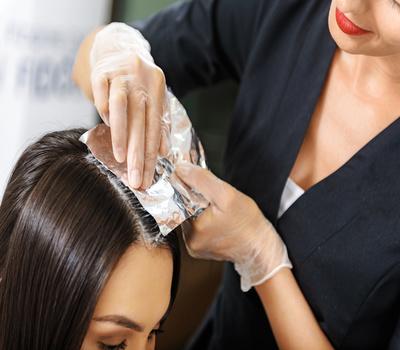 Un coiffeur coloriste professionnel à Sète